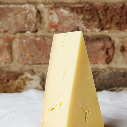 Picture of Lincolnshire Poacher Cheese (2.5kg app)